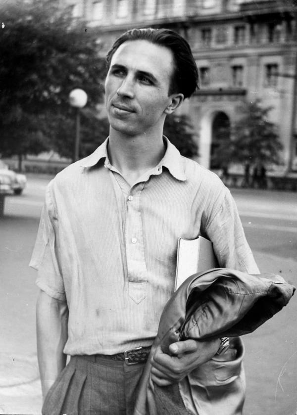 Евгений Глебов в молодости