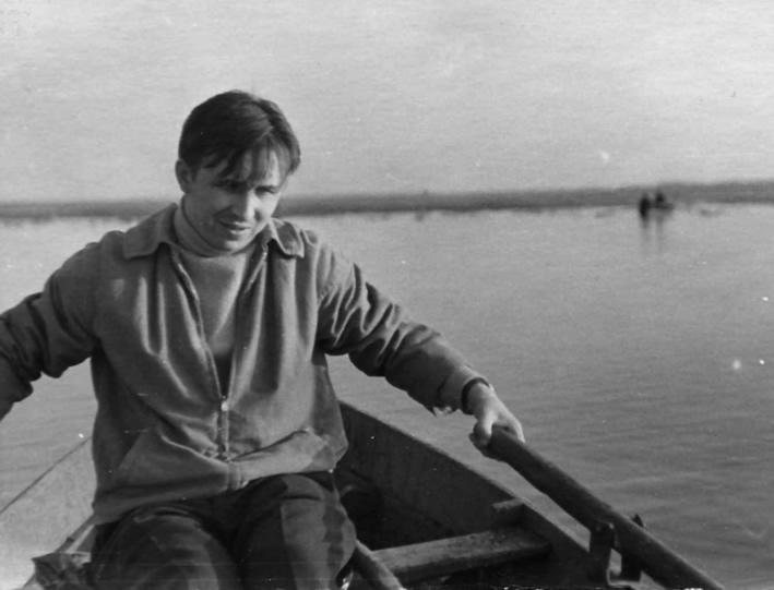 Евгений Глебов на лодке